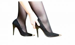 What Size is a Woman 7 1 2 in Men's Shoes